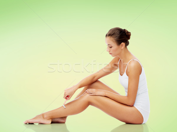 Nő biztonság borotva lábak emberek szépség Stock fotó © dolgachov