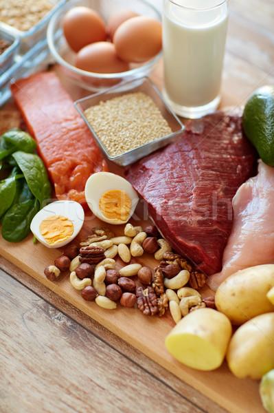 Naturalismo proteína comida tabela alimentação saudável dieta Foto stock © dolgachov