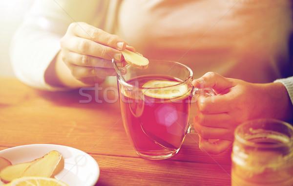 Kadın zencefil çay limon sağlık Stok fotoğraf © dolgachov