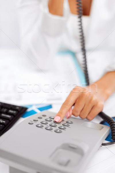 üzletasszony telefon hív üzlet kommunikáció segélyvonal Stock fotó © dolgachov