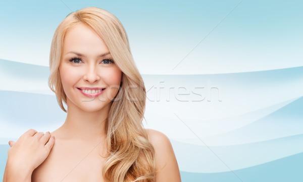 Gyönyörű fiatal nő meztelen vállak szépség emberek Stock fotó © dolgachov