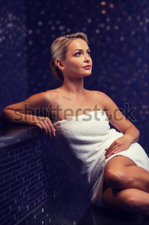 Mutlu kadın oturma jakuzi insanlar Stok fotoğraf © dolgachov