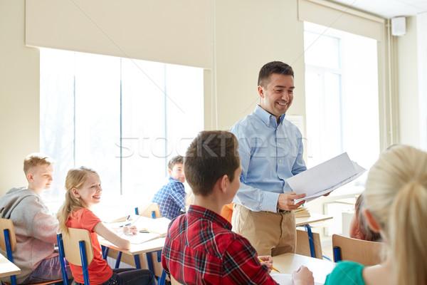 Gruppe Studenten Lehrer Testergebnisse Bildung Schule Stock foto © dolgachov