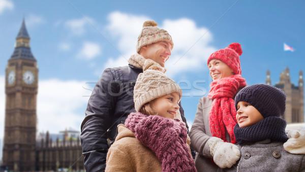 Boldog család város család utazás turizmus tél Stock fotó © dolgachov