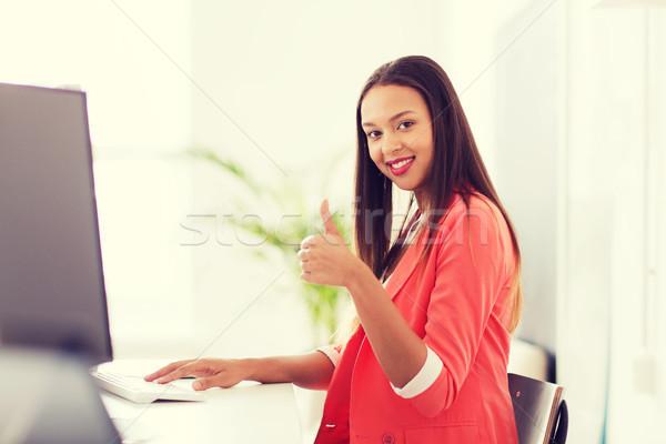 Stok fotoğraf: Mutlu · Afrika · kadın · bilgisayarı · ofis · iş · başlangıç