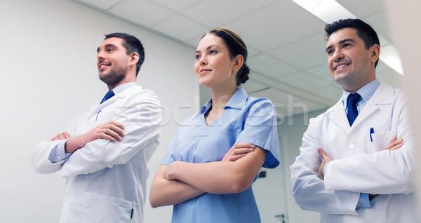 Groep gelukkig artsen ziekenhuis kliniek beroep Stockfoto © dolgachov