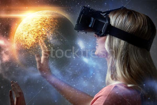 Stock fotó: Nő · virtuális · valóság · headset · 3d · szemüveg · technológia