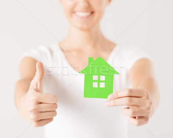 Vrouw handen tonen Stockfoto © dolgachov