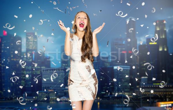 Feliz mulher jovem menina adolescente noite cidade pessoas Foto stock © dolgachov