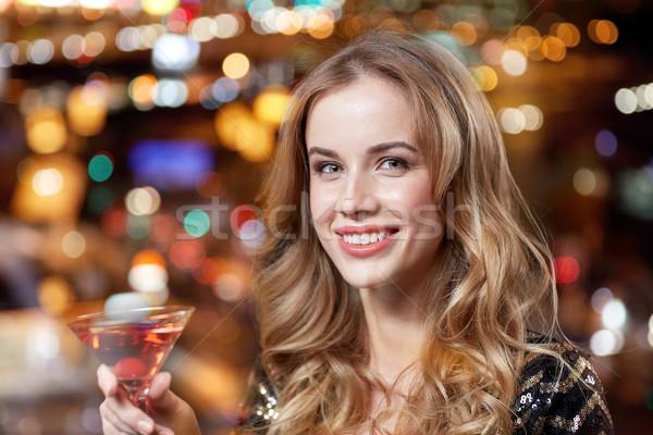 Kadın kokteyl gece klübü bar insanlar Stok fotoğraf © dolgachov