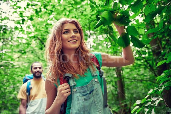 Felice Coppia escursioni boschi avventura viaggio Foto d'archivio © dolgachov