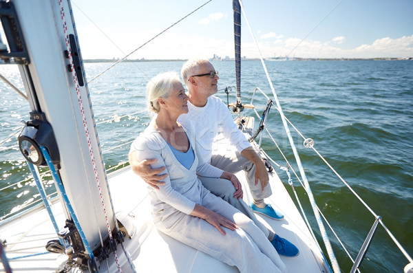 Starszy para żagiel łodzi jacht morza Zdjęcia stock © dolgachov