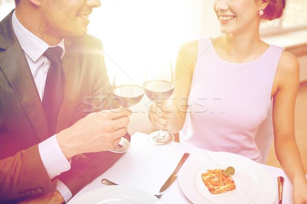 Szczęśliwy para okulary wina restauracji ludzi Zdjęcia stock © dolgachov