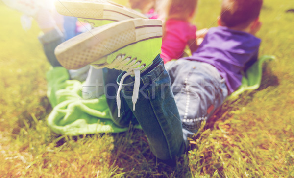 Crianças toalha de piquenique ao ar livre verão infância Foto stock © dolgachov