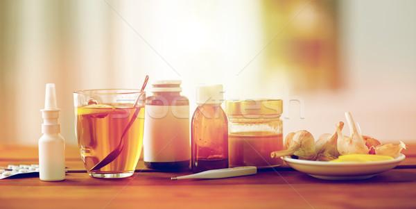 薬 計 はちみつ カップ 茶 木材 ストックフォト © dolgachov
