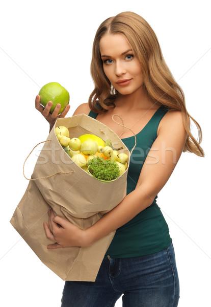 Nő bevásárlószatyor tele gyümölcsök kép papír Stock fotó © dolgachov