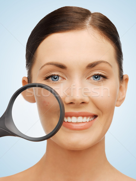 Mulher lupa acne brilhante quadro bela mulher Foto stock © dolgachov