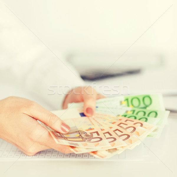 Stockfoto: Vrouw · handen · euro · cash · geld · business