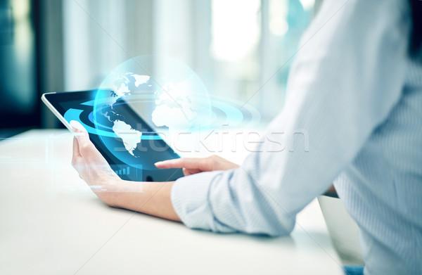 Stock fotó: Közelkép · nő · kezek · táblagép · iroda · üzlet