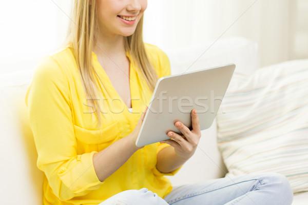 Genç kadın ev insanlar teknoloji Stok fotoğraf © dolgachov