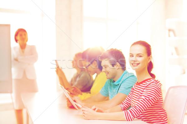 Női diák osztálytársak számítógép osztály oktatás Stock fotó © dolgachov