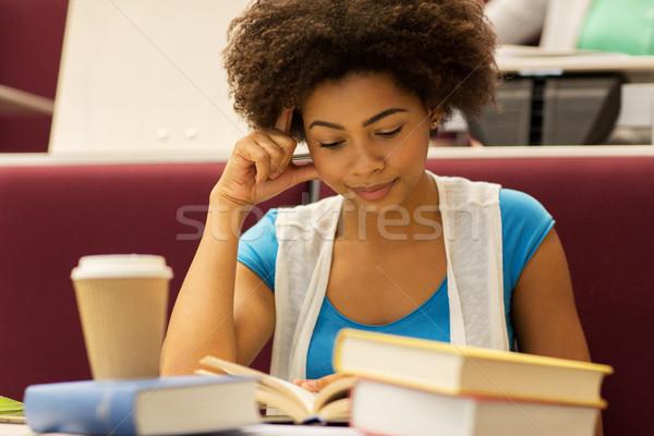 Stock fotó: Diák · lány · könyvek · kávé · előadás · oktatás