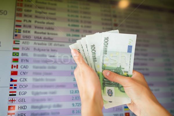 Mani euro soldi valuta scambio finanziare Foto d'archivio © dolgachov