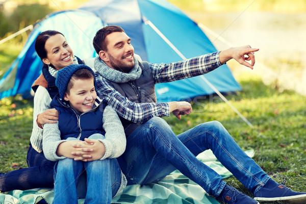 Gelukkig gezin tent kamp plaats camping toerisme Stockfoto © dolgachov