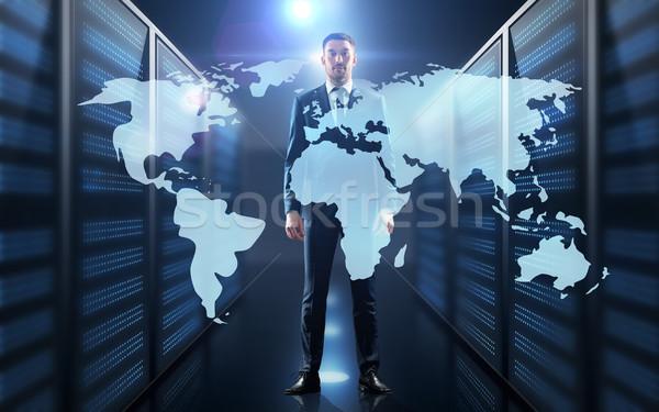 Affaires carte du monde projection couloir gens d'affaires technologie Photo stock © dolgachov