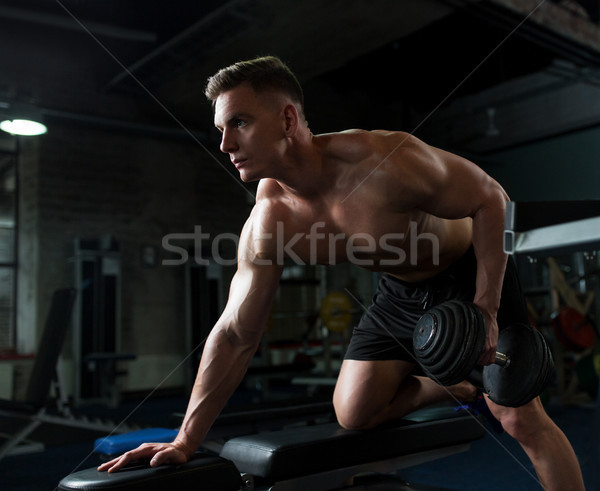 Photo stock: Homme · banc · gymnase · sport