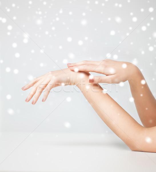 Női puha bőr kezek egészség szépség Stock fotó © dolgachov