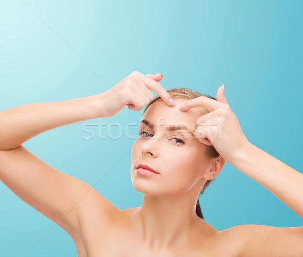 Jonge vrouw acne gezondheid schoonheid gezicht Stockfoto © dolgachov