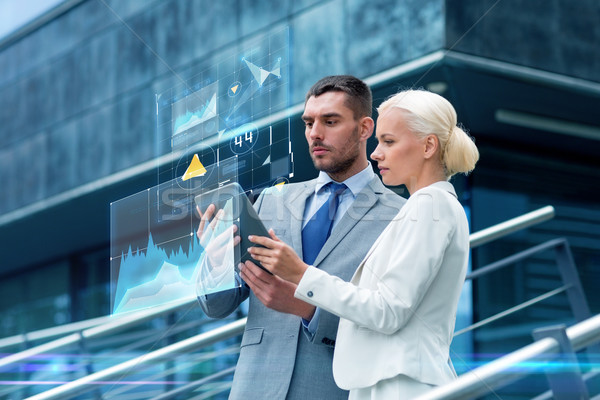 Stock fotó: üzletemberek · táblagép · kint · üzlet · együttműködés · technológia