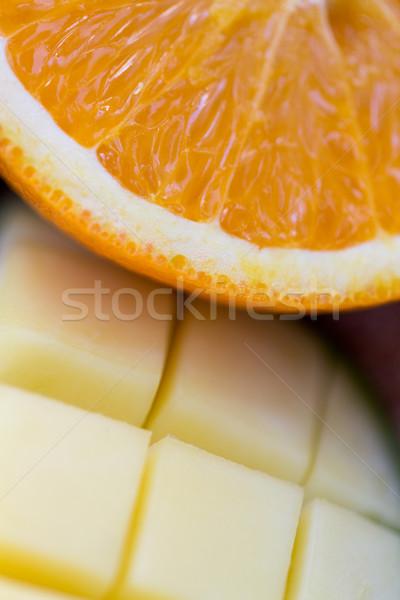 Vers sappig oranje mango Stockfoto © dolgachov