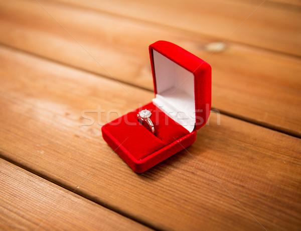 Coffret cadeau diamant bague de fiançailles proposition engagement Photo stock © dolgachov