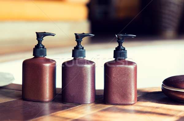 Sıvı sabun vücut losyon ayarlamak otel Stok fotoğraf © dolgachov