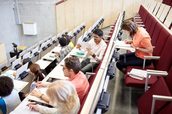 Grupy studentów piśmie test wykład sali Zdjęcia stock © dolgachov