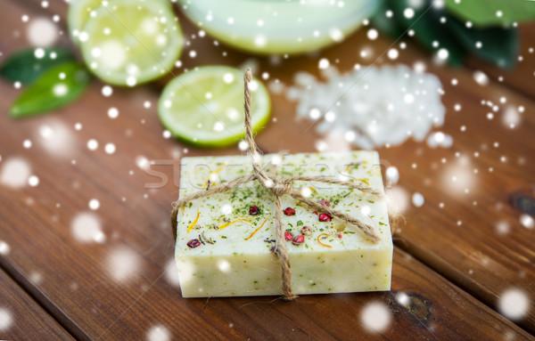 Kézzel készített szárított növénygyűjtemény szappan bár fa szépségszalon Stock fotó © dolgachov