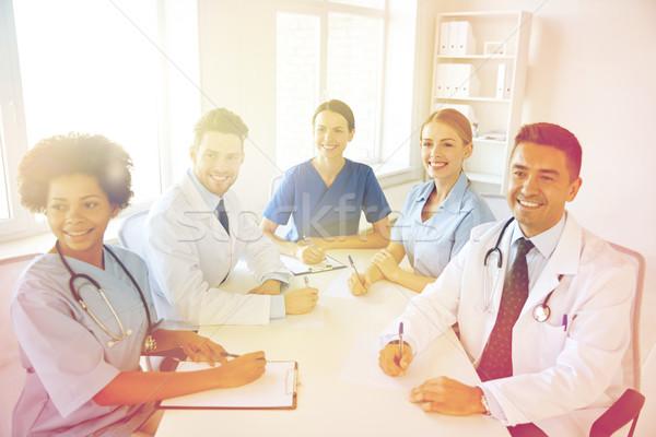 Foto d'archivio: Gruppo · felice · medici · riunione · ospedale · ufficio