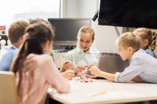 Feliz ninos portátil robótica escuela educación Foto stock © dolgachov