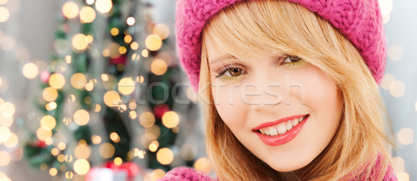 Souriant jeune femme hiver vêtements bonheur Photo stock © dolgachov