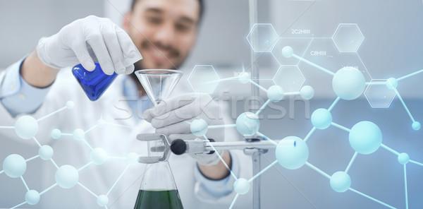 Közelkép tudós teszt csövek tölcsér tudomány Stock fotó © dolgachov