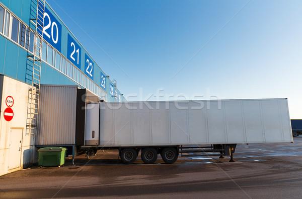 Stockfoto: Magazijn · poort · vrachtwagen · opslag · vervoer