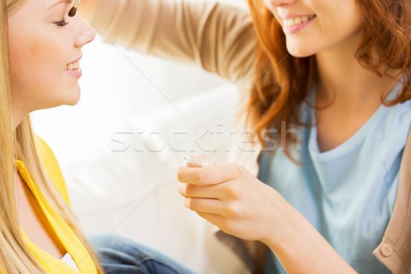 Nő jelentkezik sminkecset szépség smink kozmetika Stock fotó © dolgachov