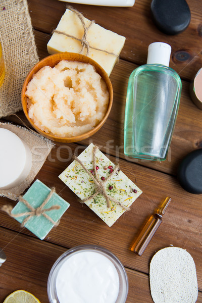 Közelkép test törődés kozmetikai termékek fa Stock fotó © dolgachov