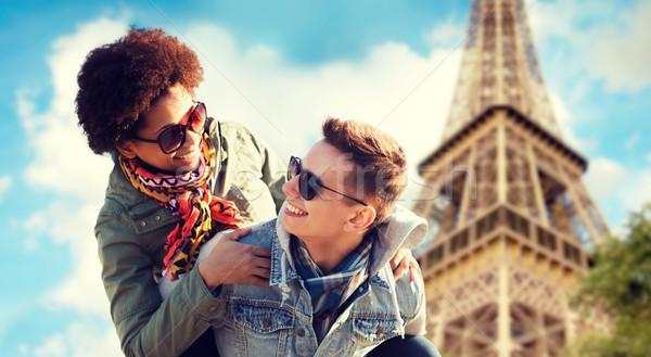 Mutlu çift Paris Eyfel Kulesi dostluk Stok fotoğraf © dolgachov