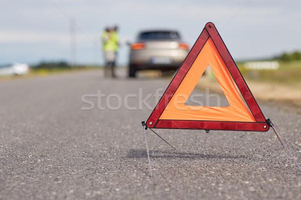 Allarme triangolo auto rotta strada cartello stradale emergenza Foto d'archivio © dolgachov