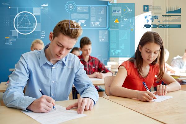 Csoport diákok könyvek ír iskola teszt Stock fotó © dolgachov