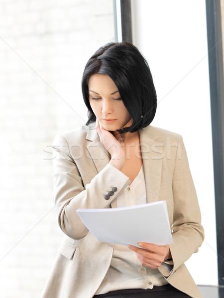 Kobieta dokumentów zdjęcie działalności Zdjęcia stock © dolgachov