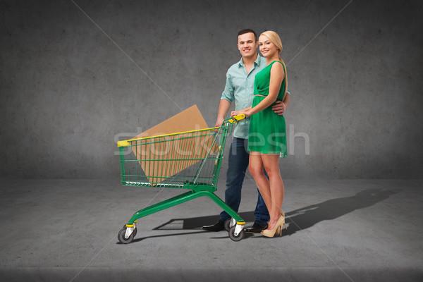 Photo stock: Souriant · couple · panier · grand · boîte · Shopping